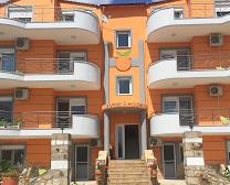 Orange House Apartments5